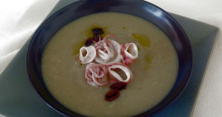 Vellutata di carciofi, calamaretti ed olive